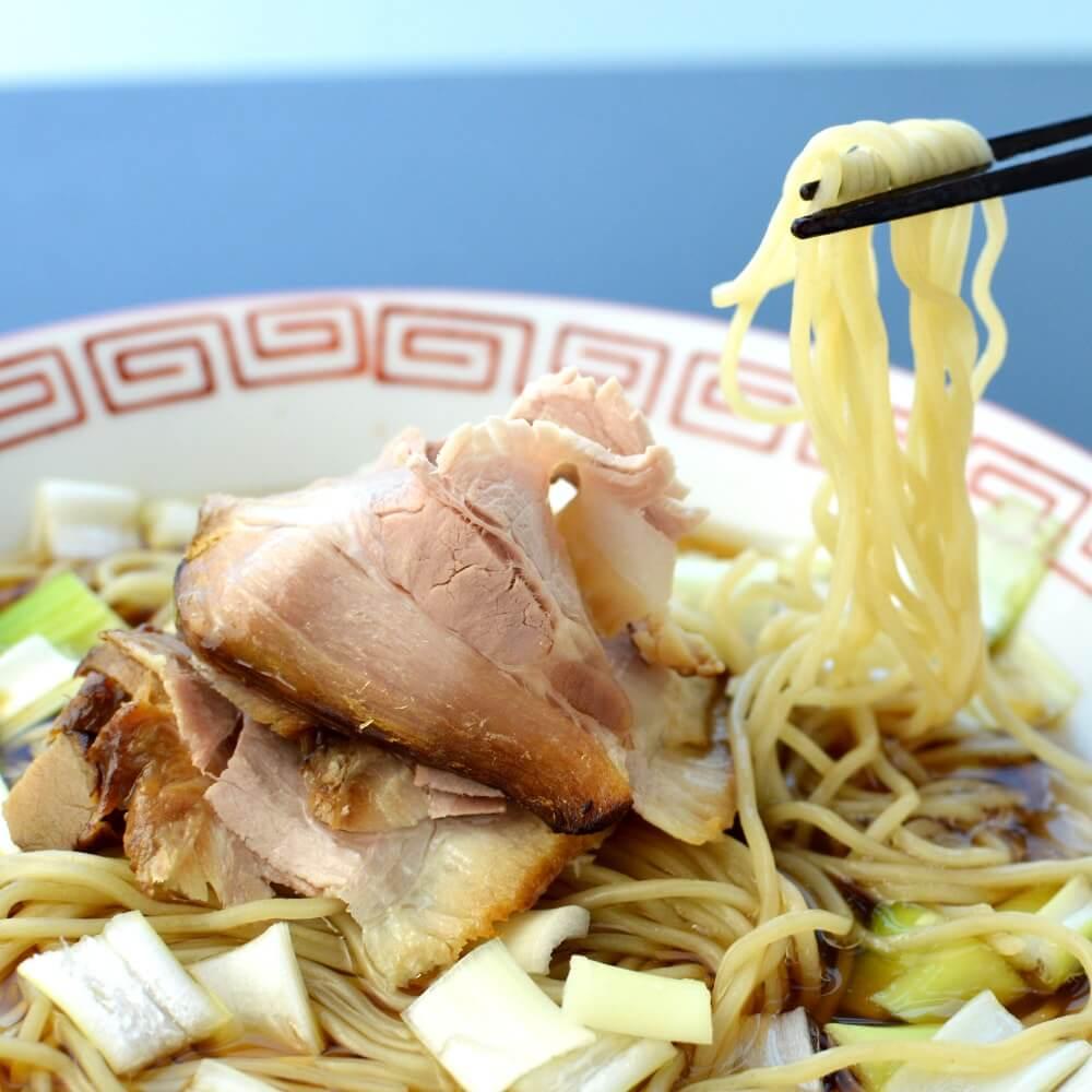 商品名:パツン、中加水の細麺・ストレート麺のとんこつ醤油ラーメン