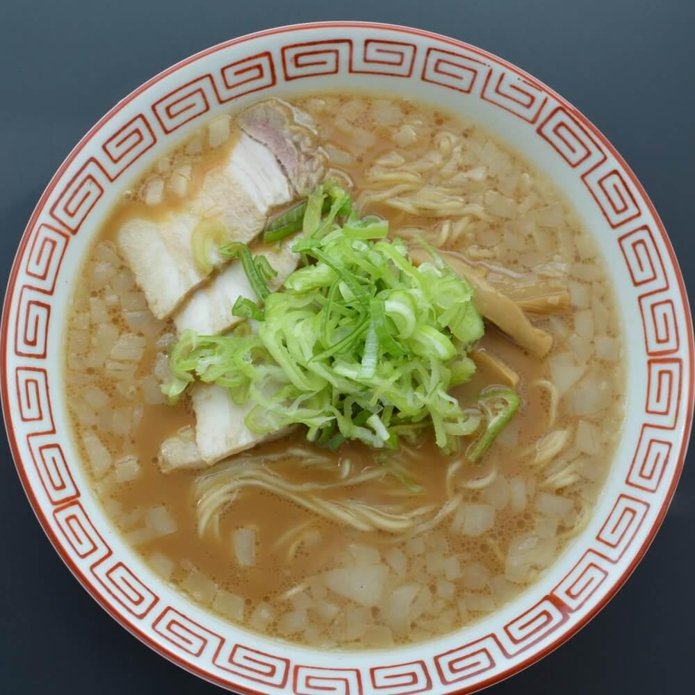 商品名:チャッチャ、中加水の細麺・ストレート麺のとんこつ醤油ラーメン