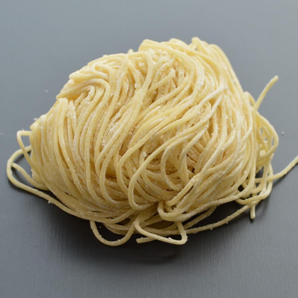商品名:北海道小麦、中加水の細麺・ストレート麺の生麺