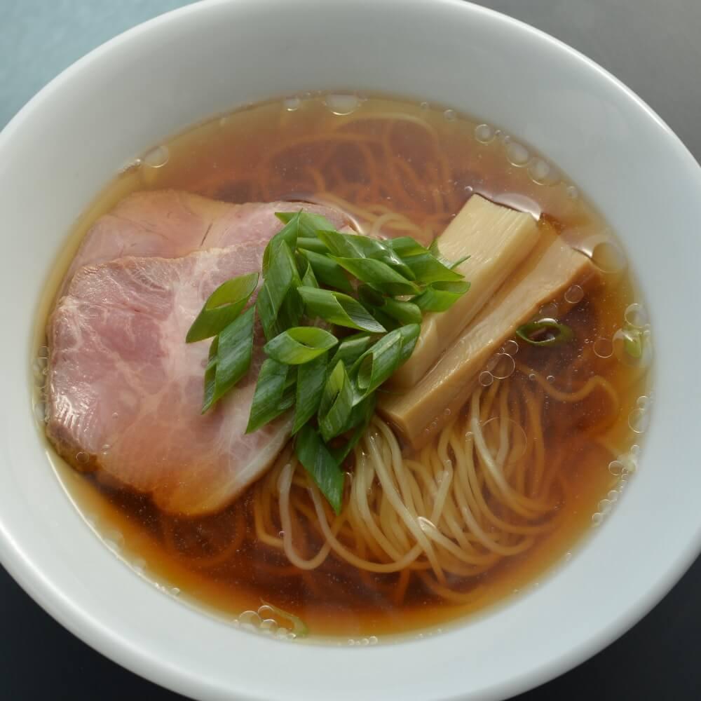 商品名:北海道小麦、中加水の細麺・ストレート麺のあっさり醤油ラーメン