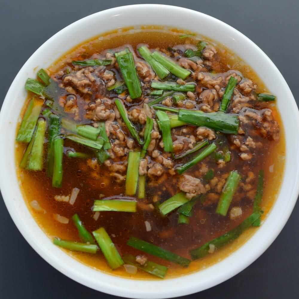 商品名:ツルモチ、多加水 熟成の中太麺・ストレート麺の無化調醤油ラーメン