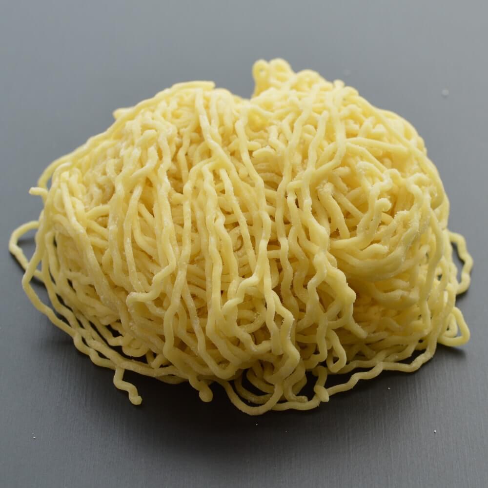 商品名:山形、多加水 熟成の極細麺・ちぢれ麺の生麺