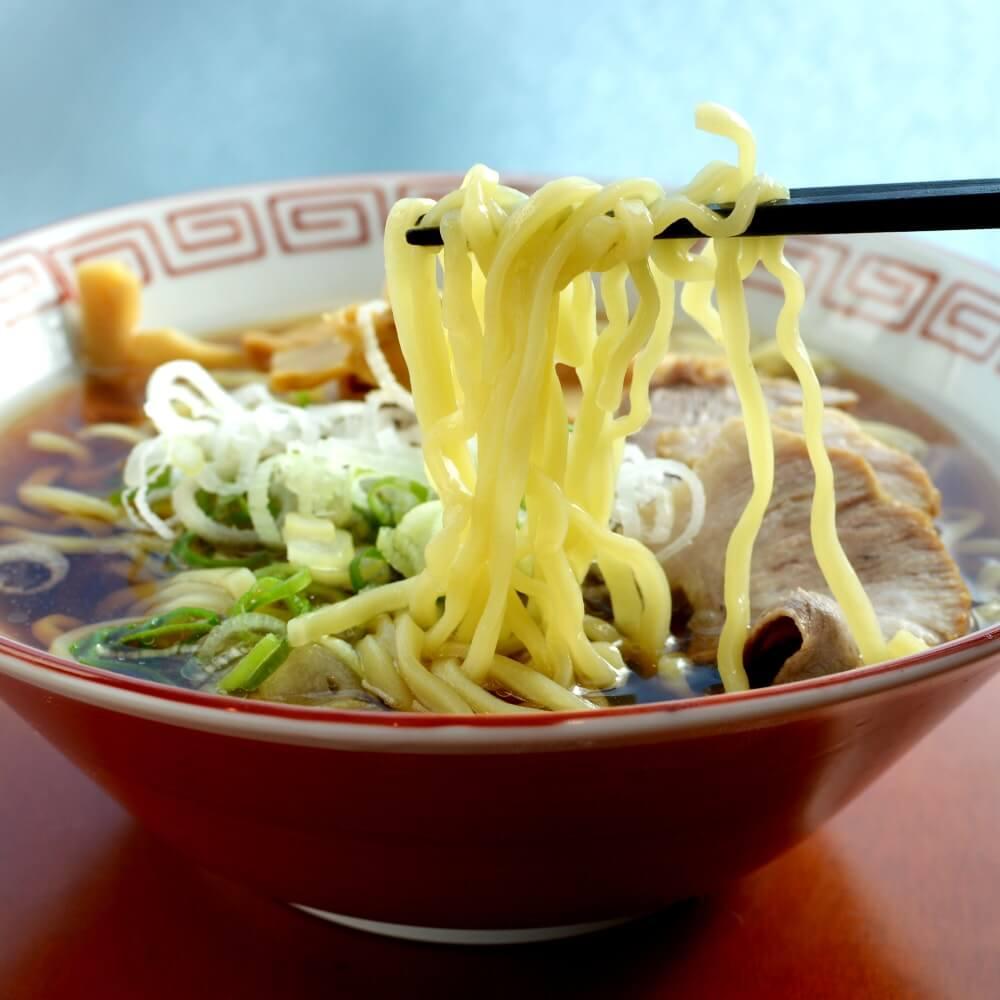 商品名:会津、多加水 熟成の平打ち太麺・ちぢれ麺の無化調醤油ラーメン