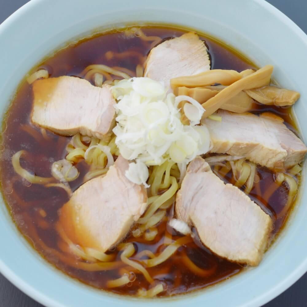 商品名:喜多方、多加水 熟成の平打ち太麺・ちぢれ麺のあっさり醤油ラーメン