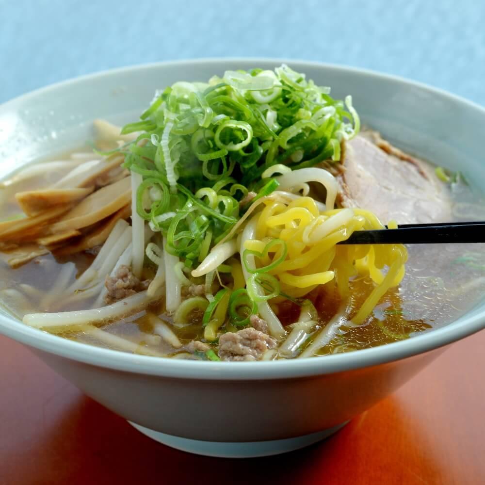 商品名:札幌、多加水 熟成の中太麺・ちぢれ麺の味噌ラーメン
