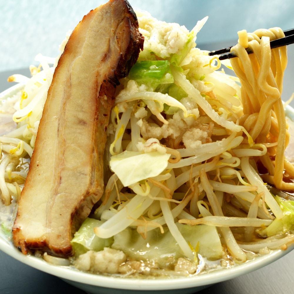 商品名:二郎系、中加水の二郎系極太麺・ストレート麺のとんこつ醤油ラーメン、オーション100%使用